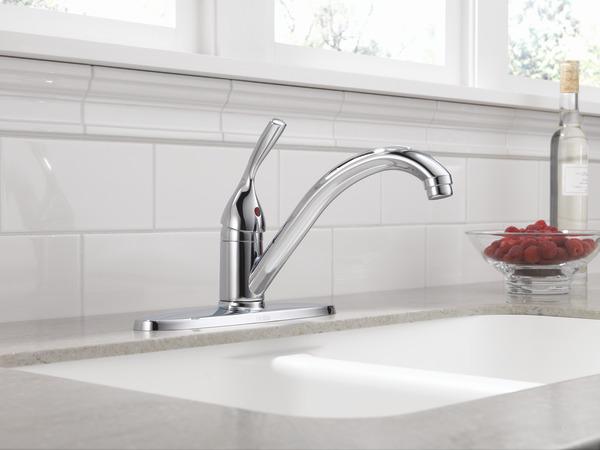 Single Handle Kitchen Faucet 100 Dst Delta Faucet