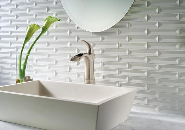 Delta Victorian 555lf Single Handle Centerset Bathroom: Single Handle Centerset Bathroom Faucet With Riser 17708LF
