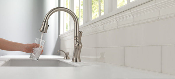 Pull Down Kitchen Faucet With High Flow Filtration System 19949F-SSSD-DST