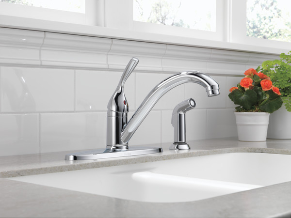 Single Handle Kitchen Faucet with Spray 400-DST | Delta Faucet