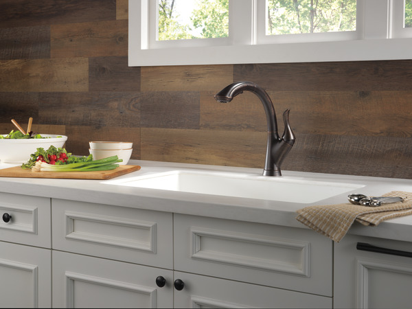 Single Handle Pull-Out Kitchen Faucet 4153-RB-DST | Delta