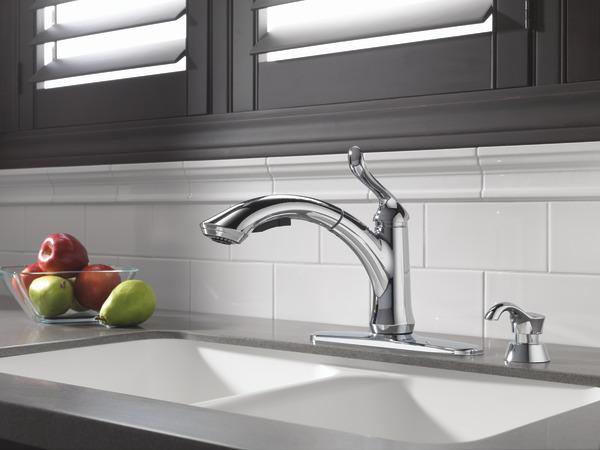 Delta 4353-dst linden single handle pullout kitchen faucet