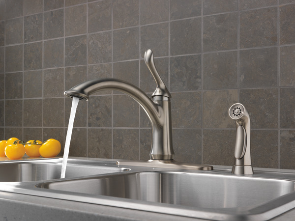 Single Handle Kitchen Faucet With Spray 4453 Ss Dst