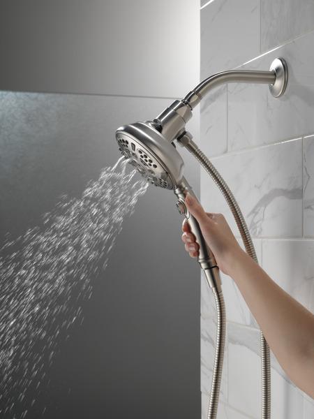 54710-SS-PK_MODEL_WATER_02_WEB.jpg