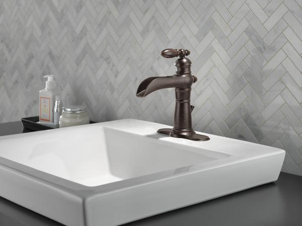 Delta Victorian 555lf Single Handle Centerset Bathroom: Single Handle Channel Bathroom Faucet 554LF-RB
