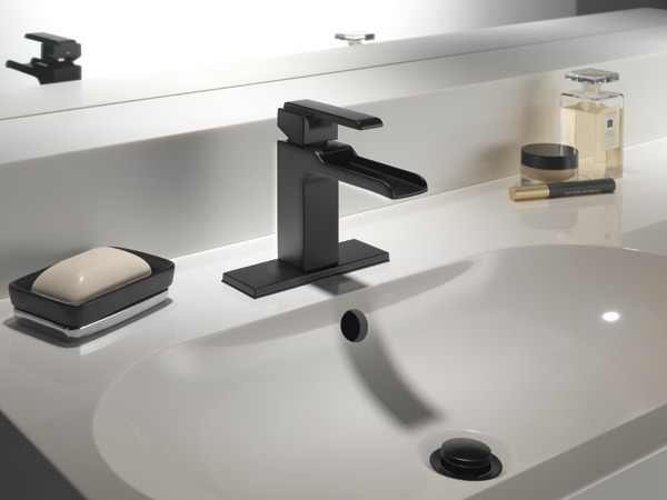 Single Handle Channel Bathroom Faucet 568lf Bllpu Delta