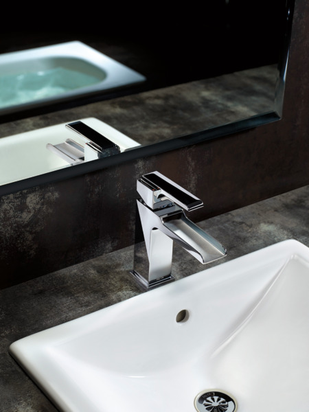 Single Handle Channel Bathroom Faucet 568lf Mpu Delta Faucet