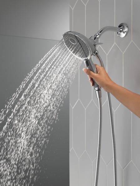58467_WATER_MODEL_HAND_01_WEB.jpg