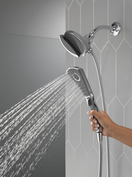 58467_WATER_MODEL_HAND_02_WEB.jpg