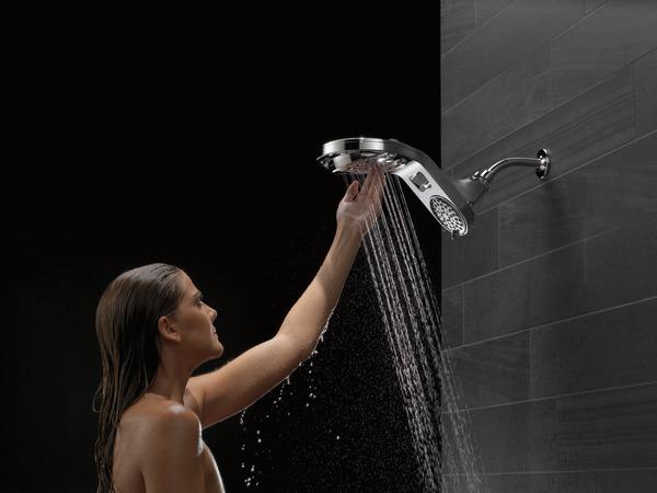 58580-25-PK_MODEL_WATER_18_WEB.jpg