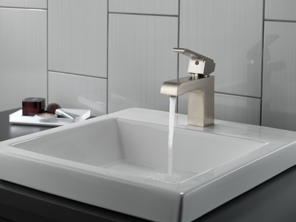 Single Handle Centerset Bathroom Faucet 586lf Ssmpu