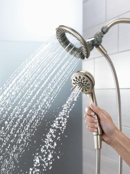 75481DSN_WATER_MODEL_HAND_04_WEB.jpg