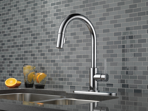 Single Handle Pull-Down Kitchen Faucet 9159-DST | Delta Faucet