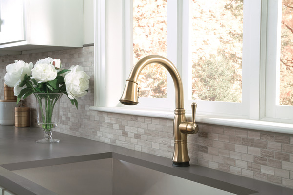 Single Handle Pull Down Kitchen Faucet With Touch2o And Shieldspray