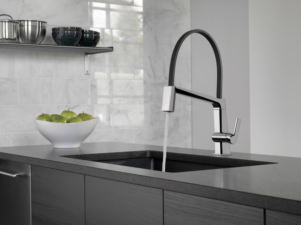 Single Handle Exposed Hose Kitchen Faucet 9693 Dst Delta