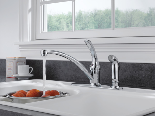 Single Handle Kitchen Faucet With Integral Spray B3310lf
