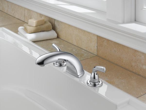 7 Faucet Finishes For Fabulous Bathrooms: Roman Tub Trim BT2710