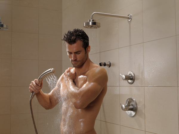 COMPEL_CUSTOM_SHOWER_T17061-SS_RP70175SS_RP46870SS_RP6025SS_T11961-SS_55421-SS_50560-SS_WATER_MODEL_02_WEB.jpg