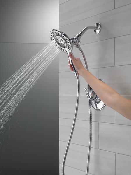 T17294-I_MODEL_WATER_02_WEB.jpg