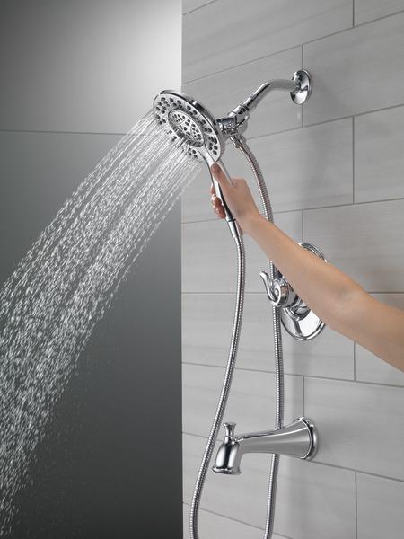 T17494-I_MODEL_WATER_01_WEB.jpg