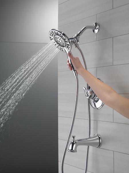 T17494-I_MODEL_WATER_02_WEB.jpg
