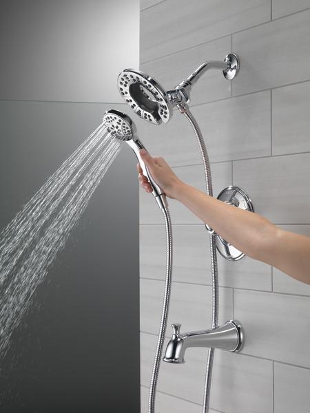 T17494-I_MODEL_WATER_03_WEB.jpg