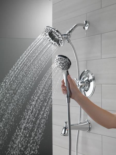 T17494-I_MODEL_WATER_05_WEB.jpg