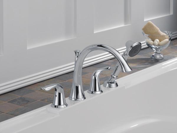 Roman Tub With Handshower Trim T4738 Delta Faucet