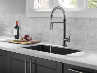 Single Handle Pull Down Spring Spout Kitchen Faucet With